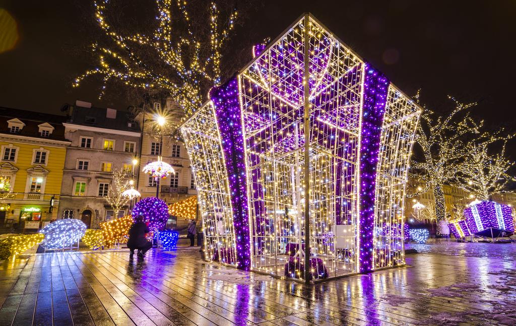 Jouluostoksille Varsovan